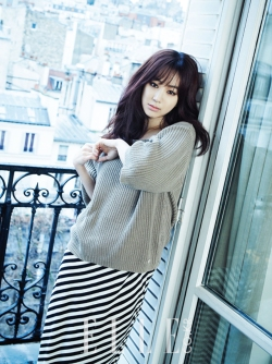 Jung Ryeo Won - Elle Magazine March Issue 2013 (2)