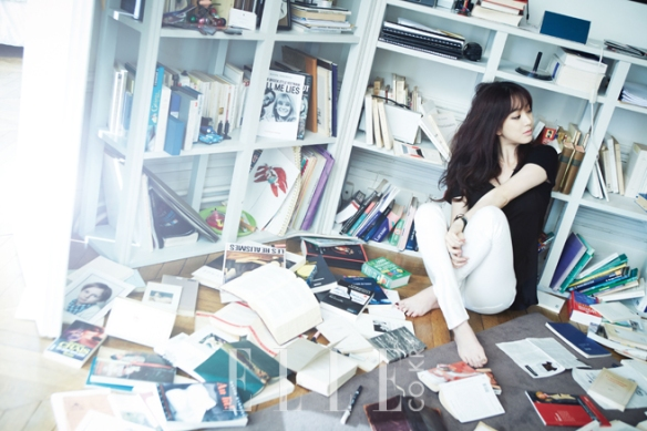 Jung Ryeo Won - Elle Magazine March Issue 2013