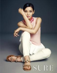 Kim So Yeon - Sure Magazine April Issue 2013 (2)