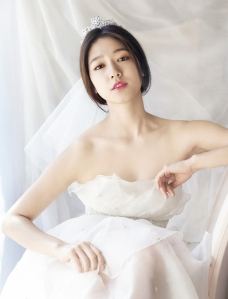 Park Shin Hye My Wedding Magazine April 2013 (2)