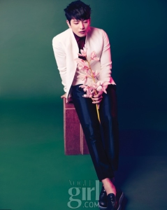 2AM Jin Woon - Vogue Girl Magazine May Issue  13 1