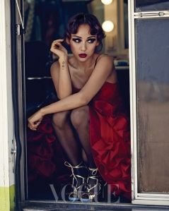 Lee Hyori - Vogue Magazine Mayo 2013 (10)